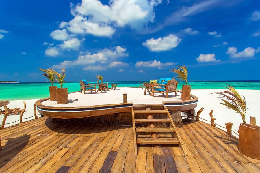 Aaveee Resort Maldive Sunset bar Aavi Ashi