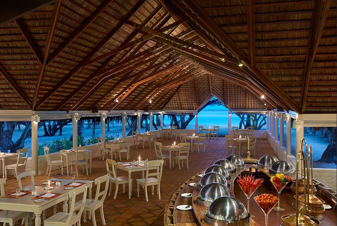 Cinnamon Dhonveli resort Maldive ristorante Koimala Garden