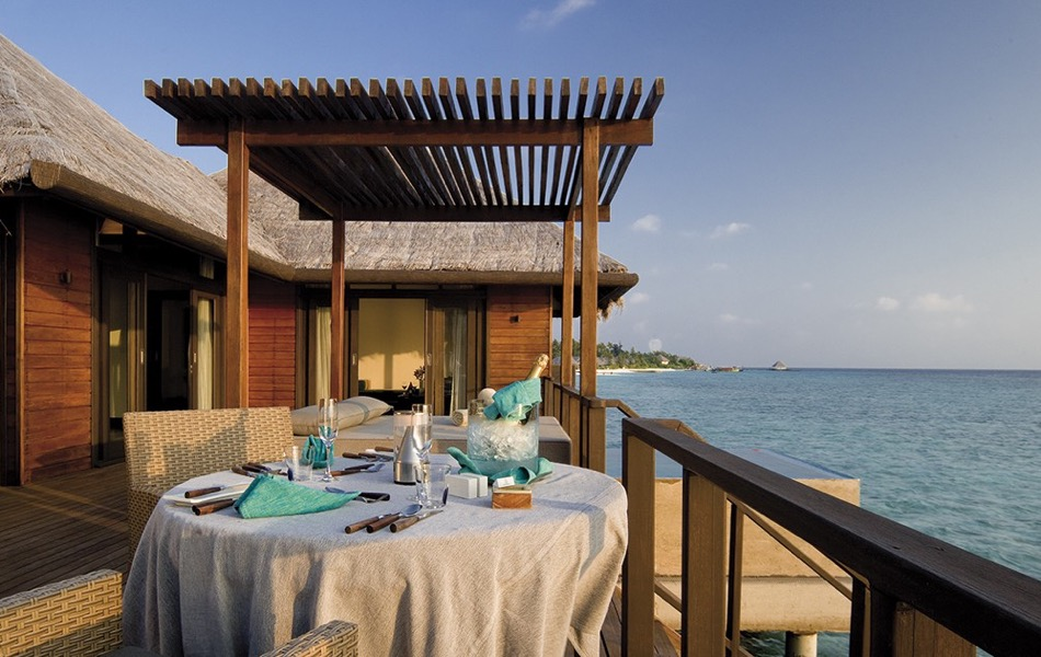 Coco Palm Bodu Hithi resort Maldive water villa