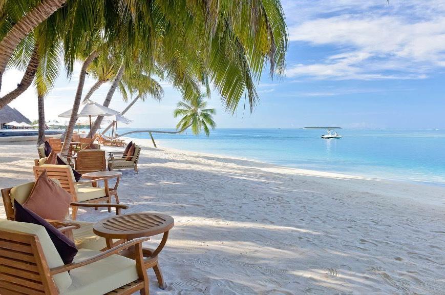 Resort Maldive Conrad Maldives Sunset cocktail bar Rangali Bar