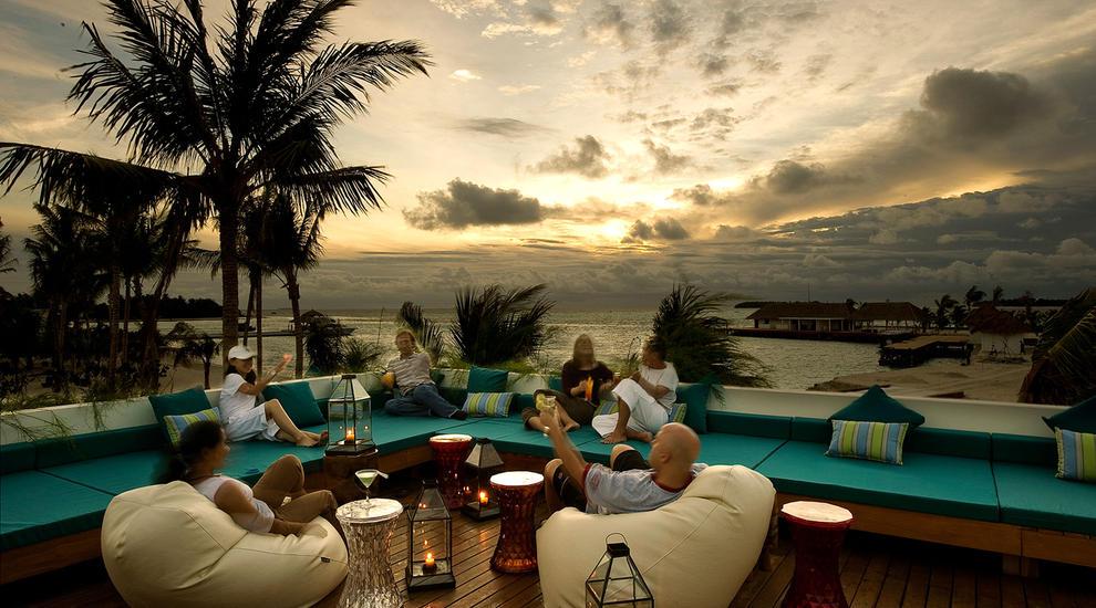 Resort Maldive Kandoma Holiday Inn Resort Kandooma The Deck