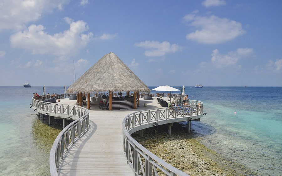 Bandos Maldives resort Maldive sunset bar