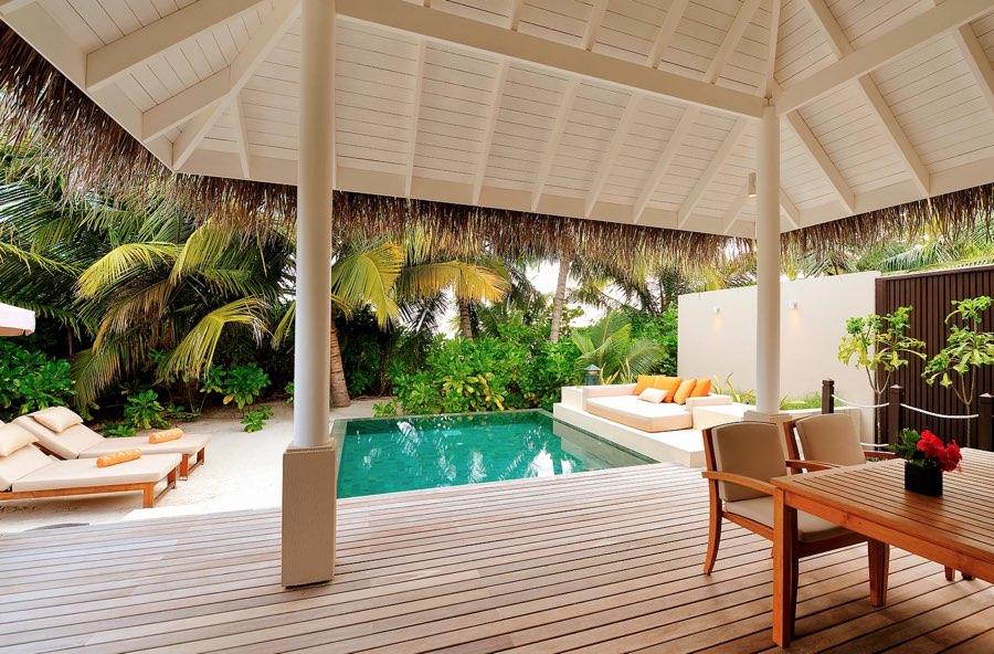 Ayada Maldives resort Maldive sunset beach suite