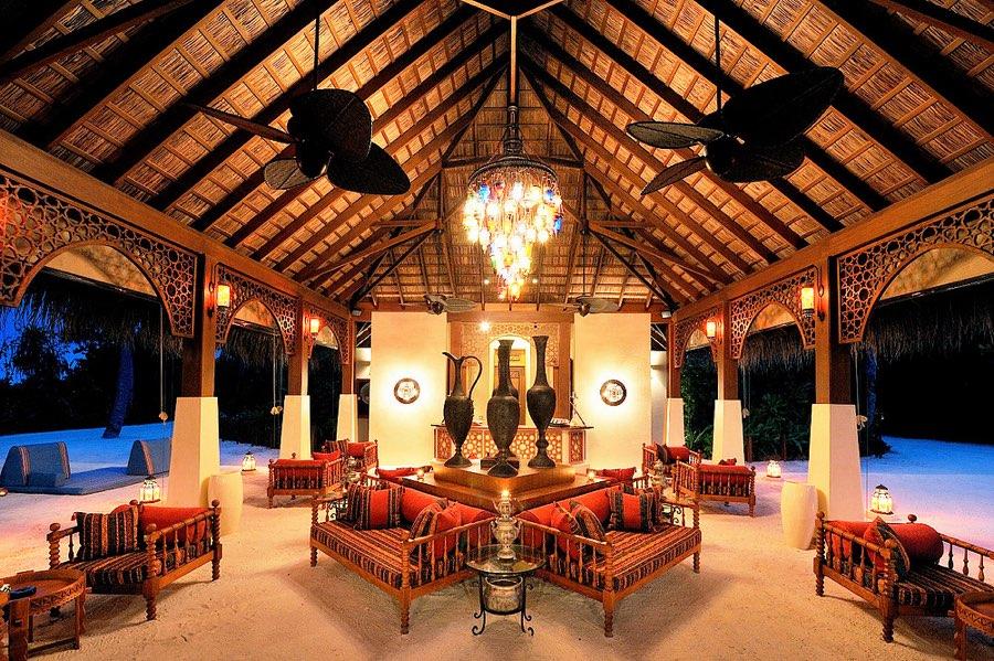Ayada Maldives resort Maldive bar Ottoman Lounge