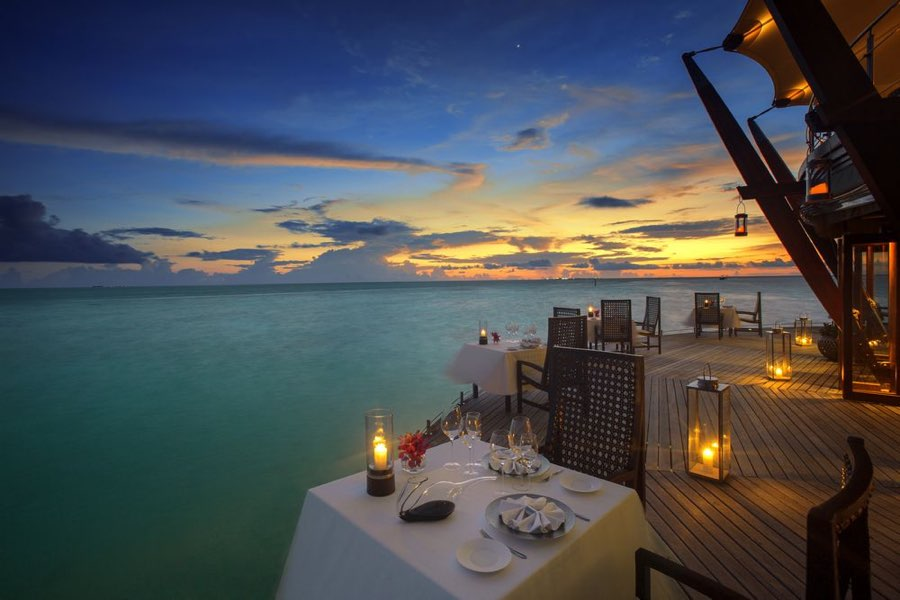 Baros resort Maldive ristorante Lighthouse