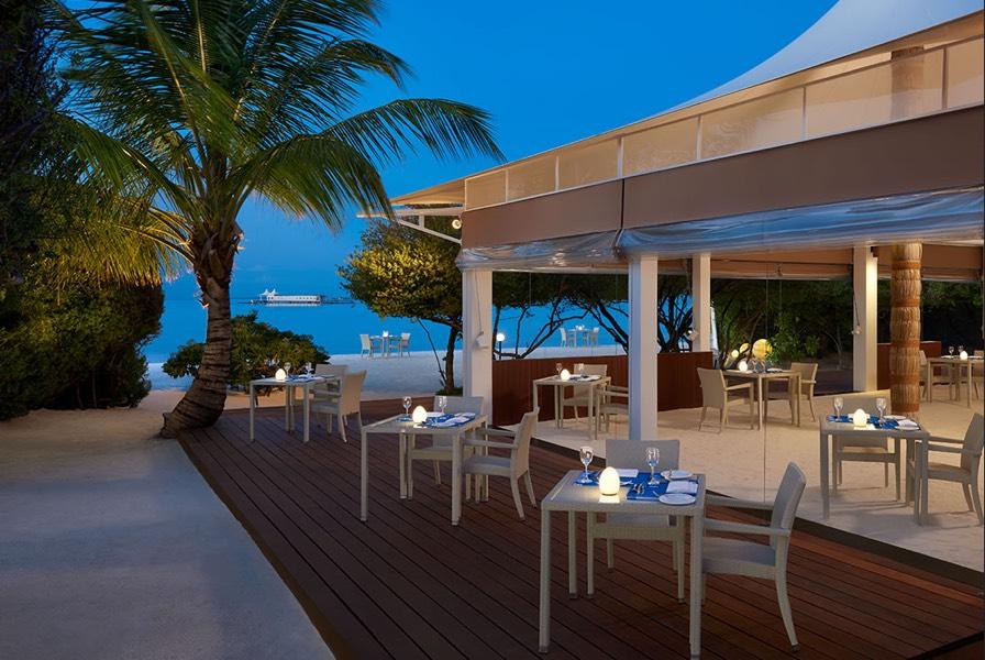 Cinnamon Hakuraa Huraa resort Maldive ristorante Crab SeaFood