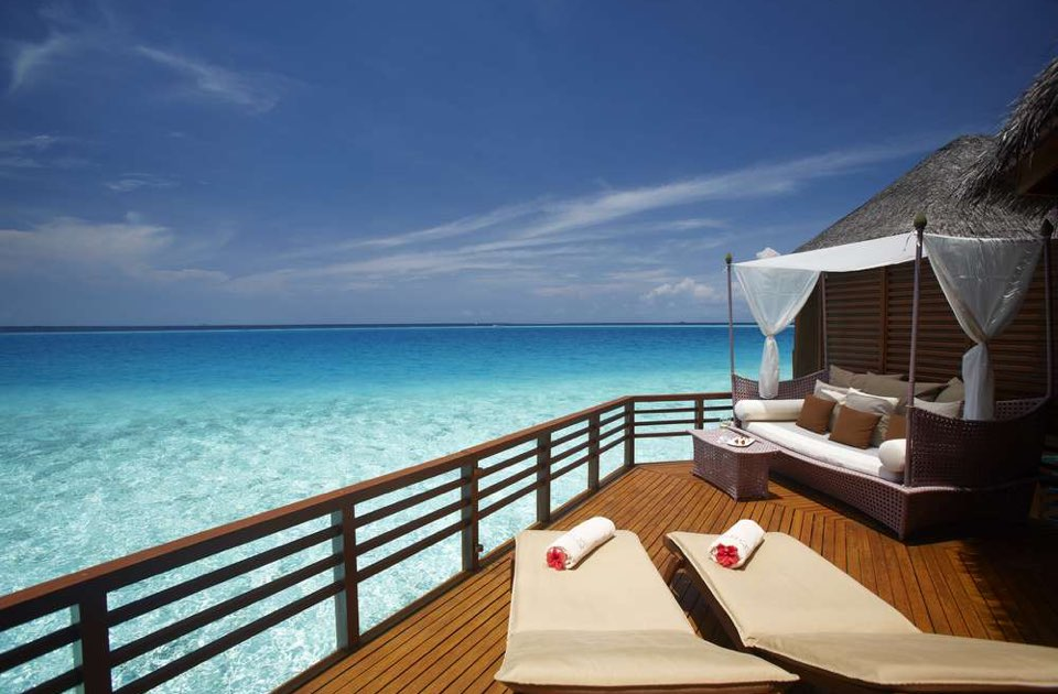 Baros resort Maldive water villa
