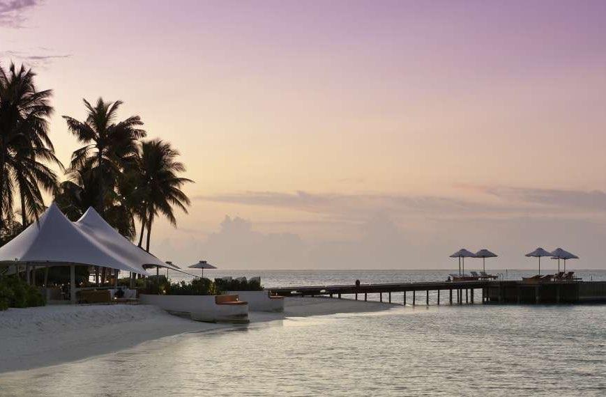 Resort Maldive Conrad Maldives Sunset Lounge bar the quite zone