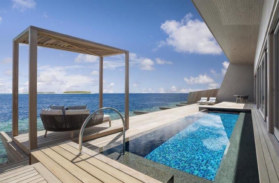 Resort Maldive St.Regis Maldive Vommuli overwater villa