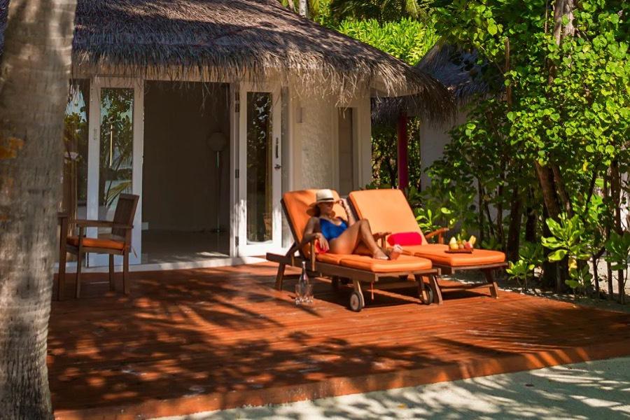Resort Maldive Sun Aqua Vilu Reef beach villa