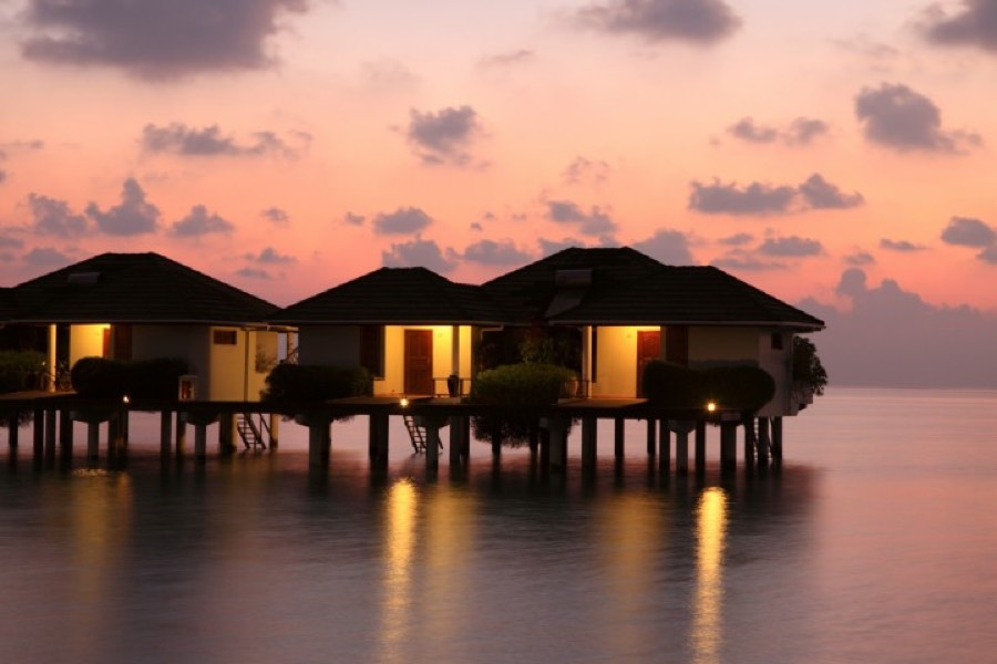 Resort Maldive Sun Island Resort water bungalow