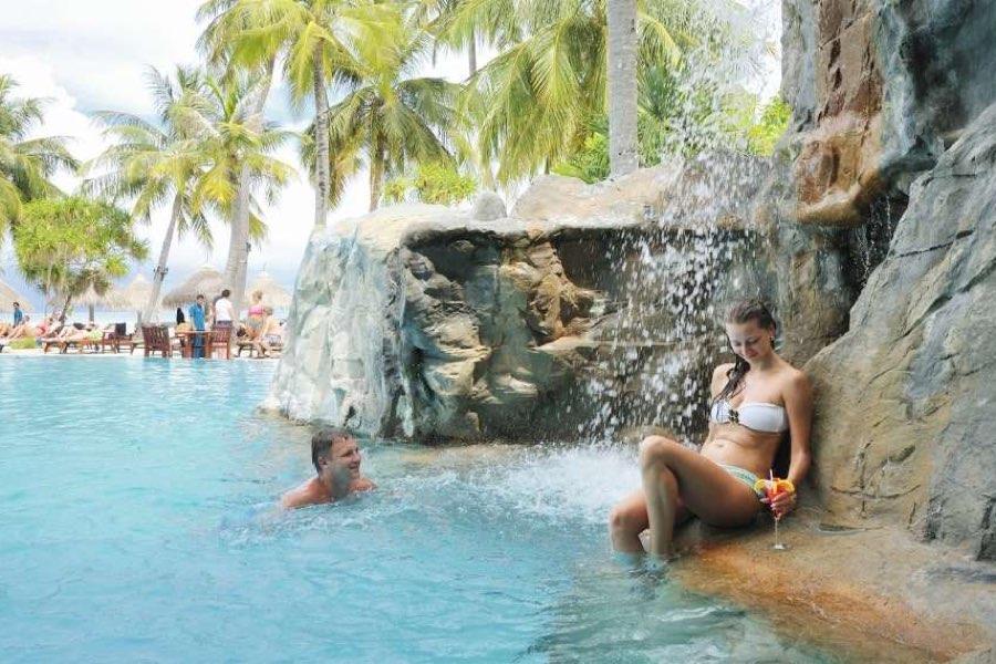 Resort Maldive Sun Island pool Bar