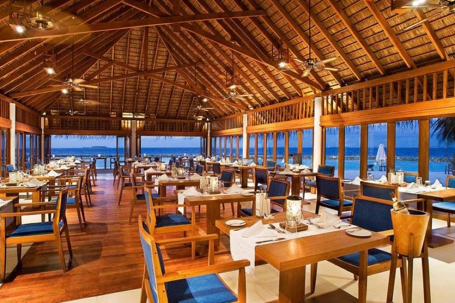 Resort Maldive Vakarufalhi ristorante Ilaa