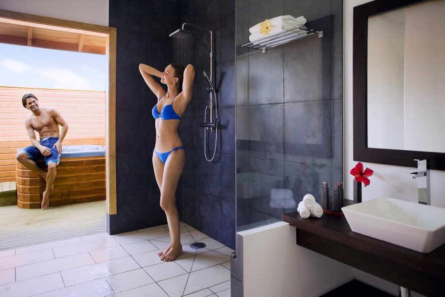 Resort Maldive Vilamendhoo Island Resort & Spa jacuzzi water villa