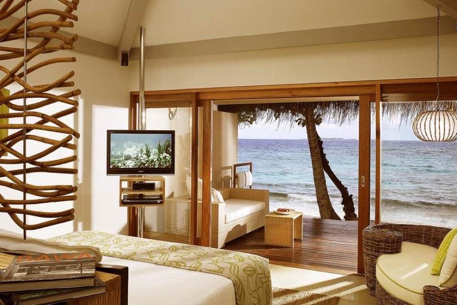 Resort Maldive Vivanta by Taj Coral Reef beach villa