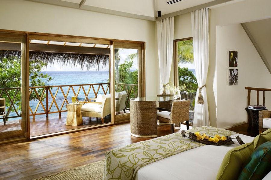 Resort Maldive Vivanta by Taj Coral Reef suite