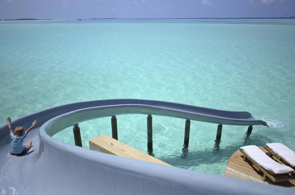Resort Maldive Soneva Jani water retreat with slide