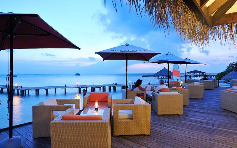 Resort Maldive Smartline Eriyadu ristorante Blitz cafè e bar
