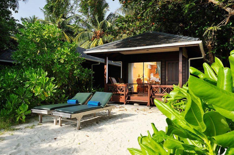 Resort Maldive Royal Island beach villa