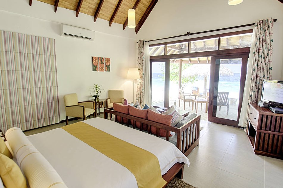 Resort Maldive Robinson Club beach bungalow