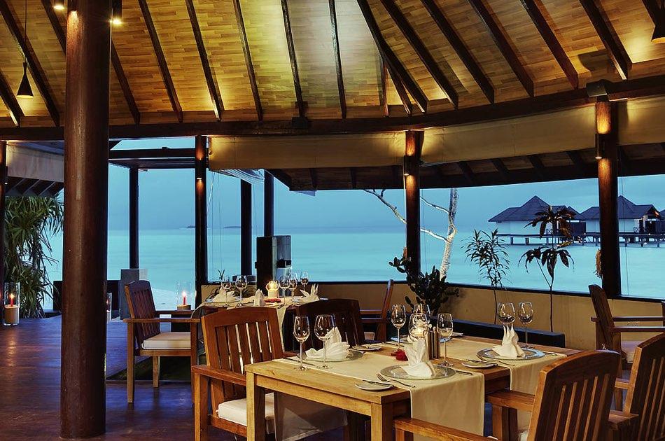 Resort Maldive Robinson Club ristorante Das Edel