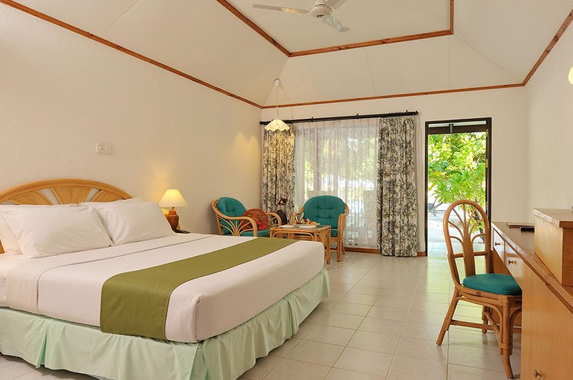 Resort Maldive Paradise Island Resort beach bungalow