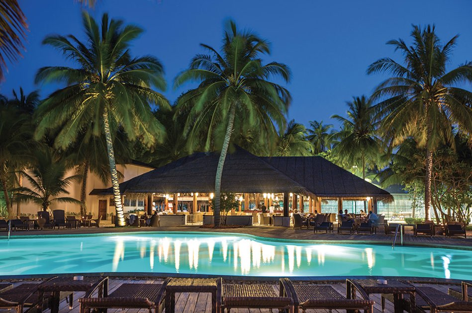 Resort Maldive Palm Beach Resport & Spa pool bar