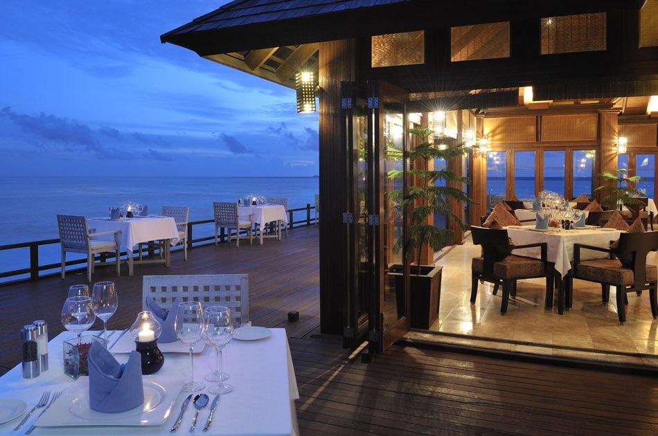 Resort Maldive Olhuveli Beach & Spa ristorante The Four Spices