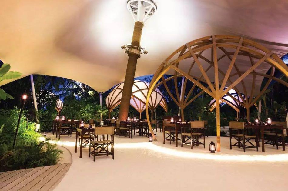 Resort Maldive Niyama per Aquum Resort ristorante Tribal