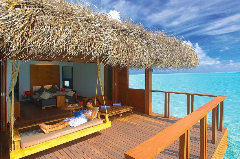 Resort Maldive Medhufushi Island Resort water villa
