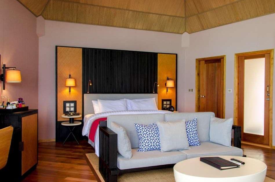Resort Maldive Meer Island Resort & Spa water villa
