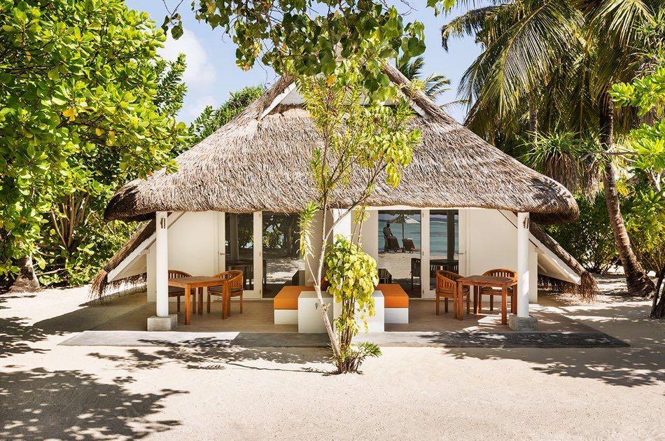 Resort Maldive Lux Maldives beach pavilons