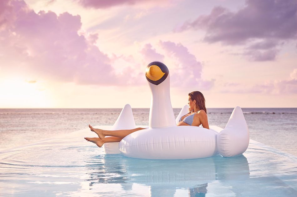 Resort Maldive Lux Maldives temptation pool water villa