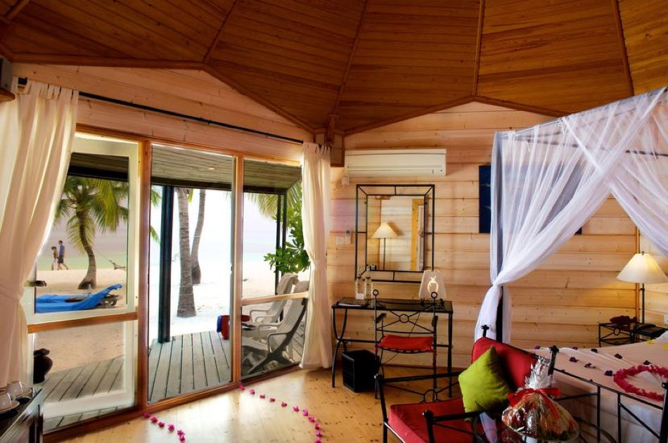 Resort Malidive Kuredu Island Resort & Spa jacuzzi beach villa