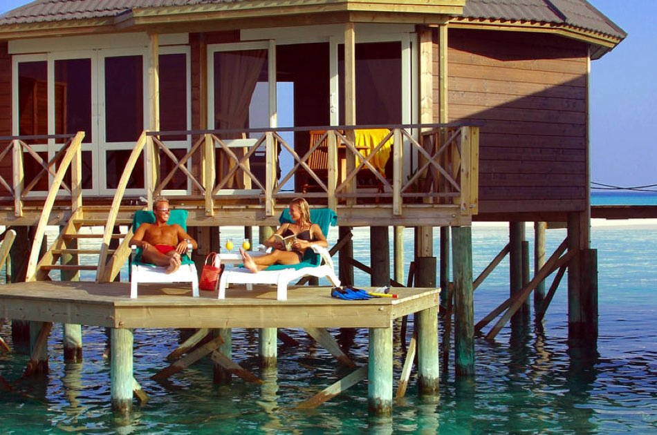 Resort Malidive Kuredu Island Resort & Spa water villa