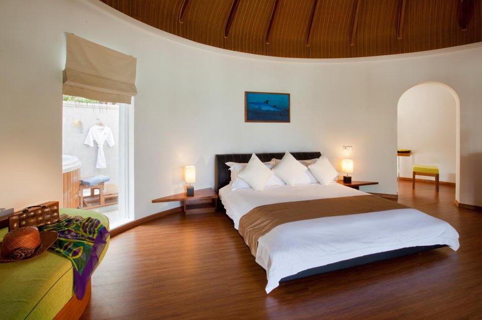 Resort Maldive Kuramathi Island resort superior beach villa with jacuzzi