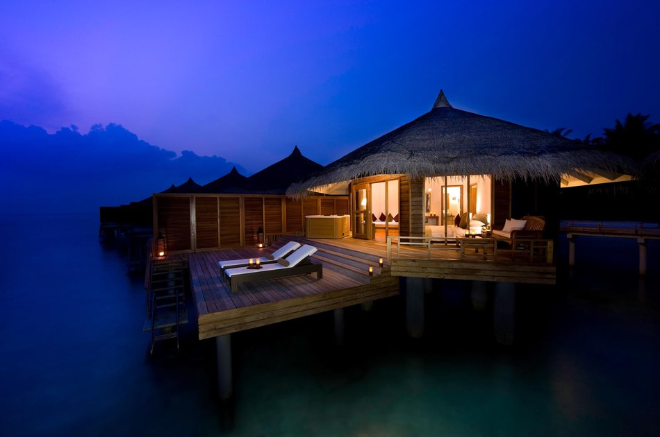 Resort Maldive Kuramathi Island resort water villa with jacuzzi