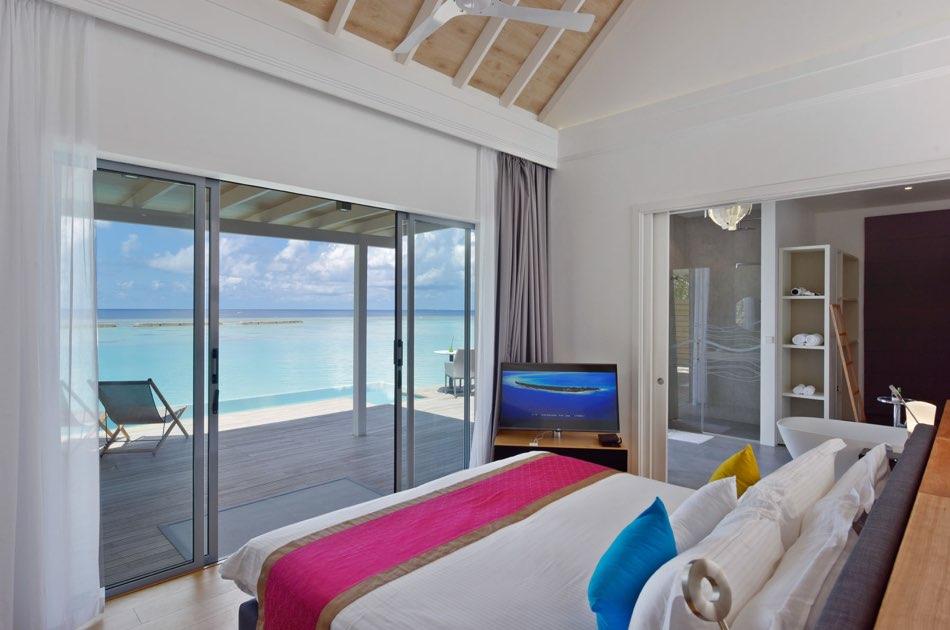 Resort Maldive Kuramathi Island resort pool villa