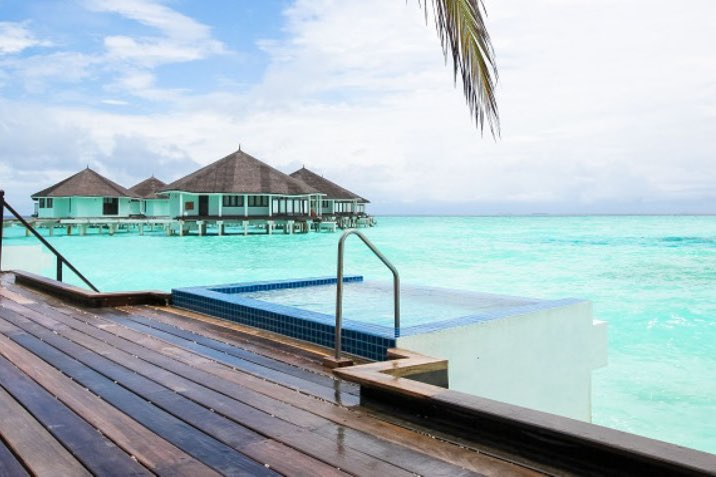 Resort Maldive Kihaa Maldives waterfront beach villa