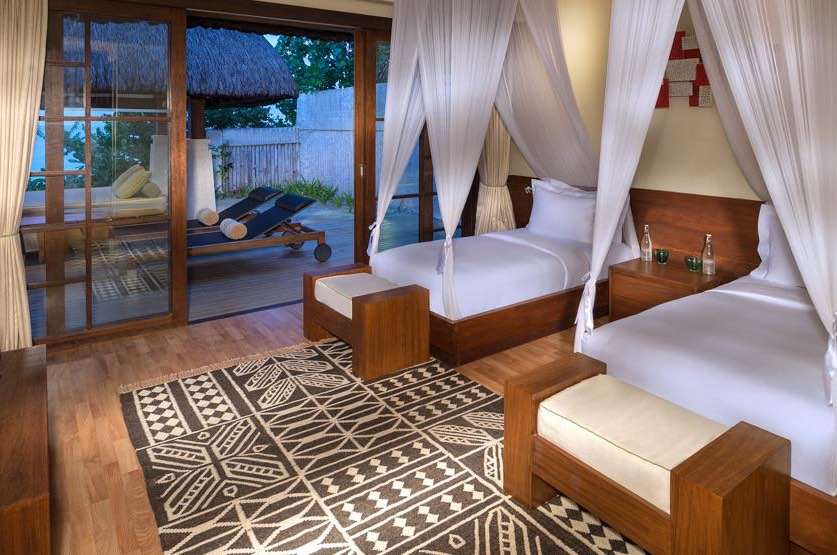 Resort Maldive Jumeirah Vittaveli beach villa with pool