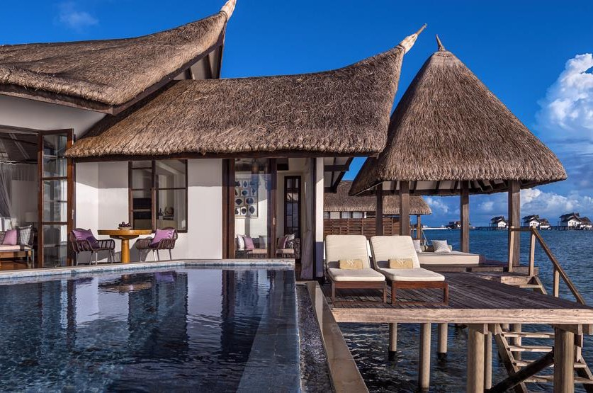 Resort Maldive Jumeirah Vittaveli water villa with pool