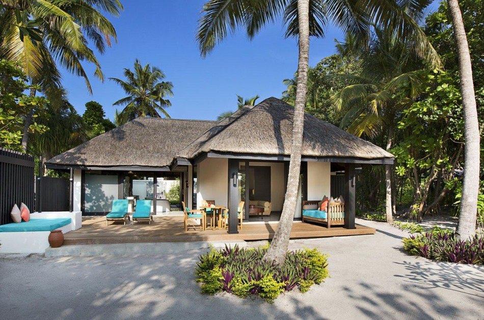 Resort Maldive Ja Manafaru beach suite with private pool