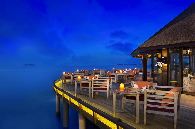 Resort Maldive Ja Manafaru royal island ristorante white orchid