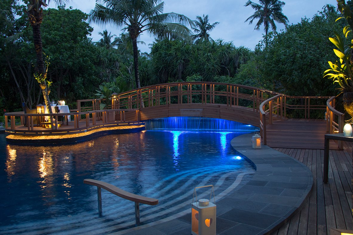 Resort Maldive Ja Manafaru royal island ristorante andiamo bistro