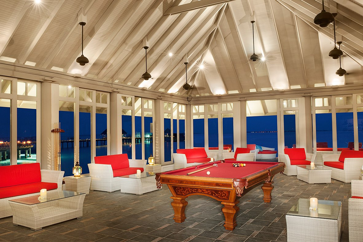 Resort Maldive Ja Manafaru royal island cocktail bar Horizon Lounge