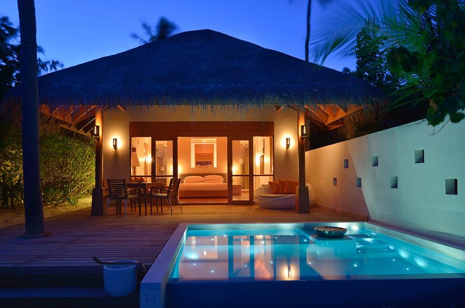Resort Maldive Huvafen Fushi deluxe beach bungalow