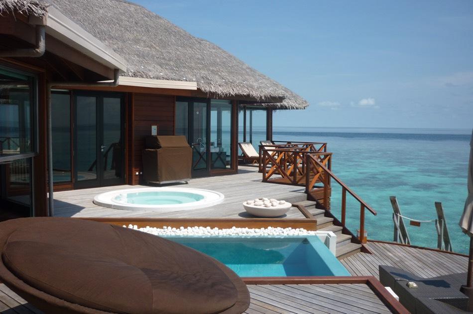 Resort Maldive Huvafen Fushi ocean pavillon with pool
