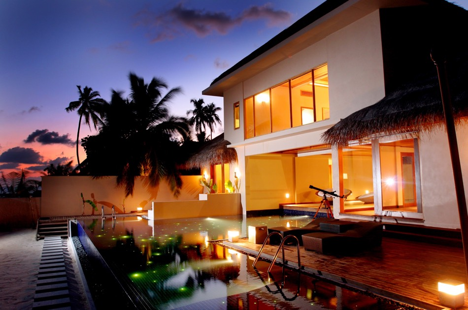 Resort Maldive Huvafen Fushi beach pavillon with pool