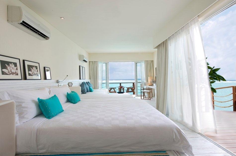 Resort Maldive Kandoma Holiday Inn Resort over watervilla