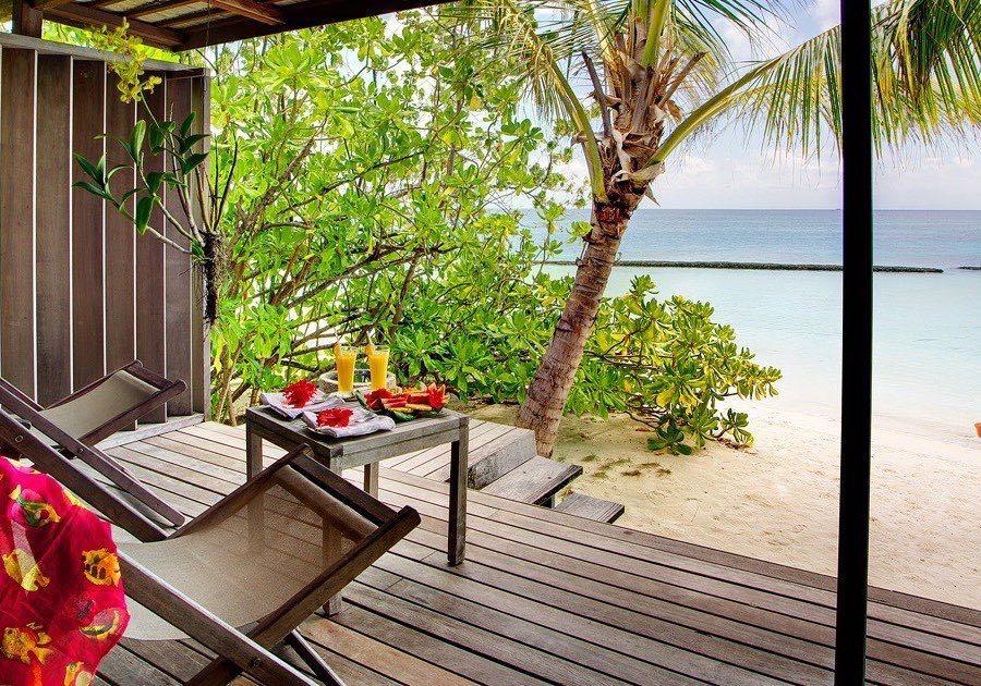 Resort Maldive Gangehi Island Resort & Spa beach villa